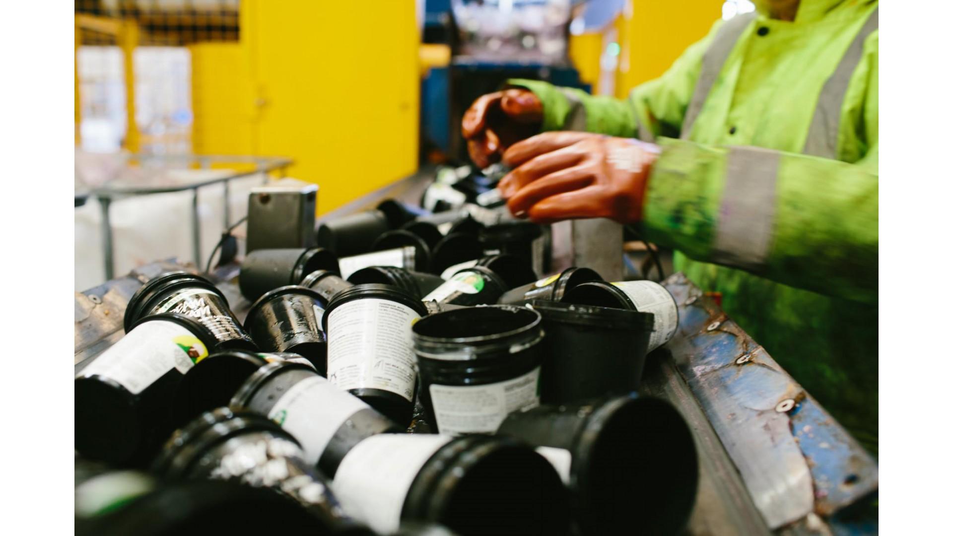 Recikliranje crnih posuda